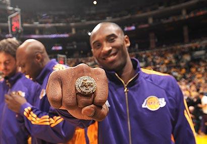 Kobe-Championship Ring