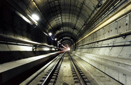 the-channel-tunnel-traveling-under-the-sea-18461_4