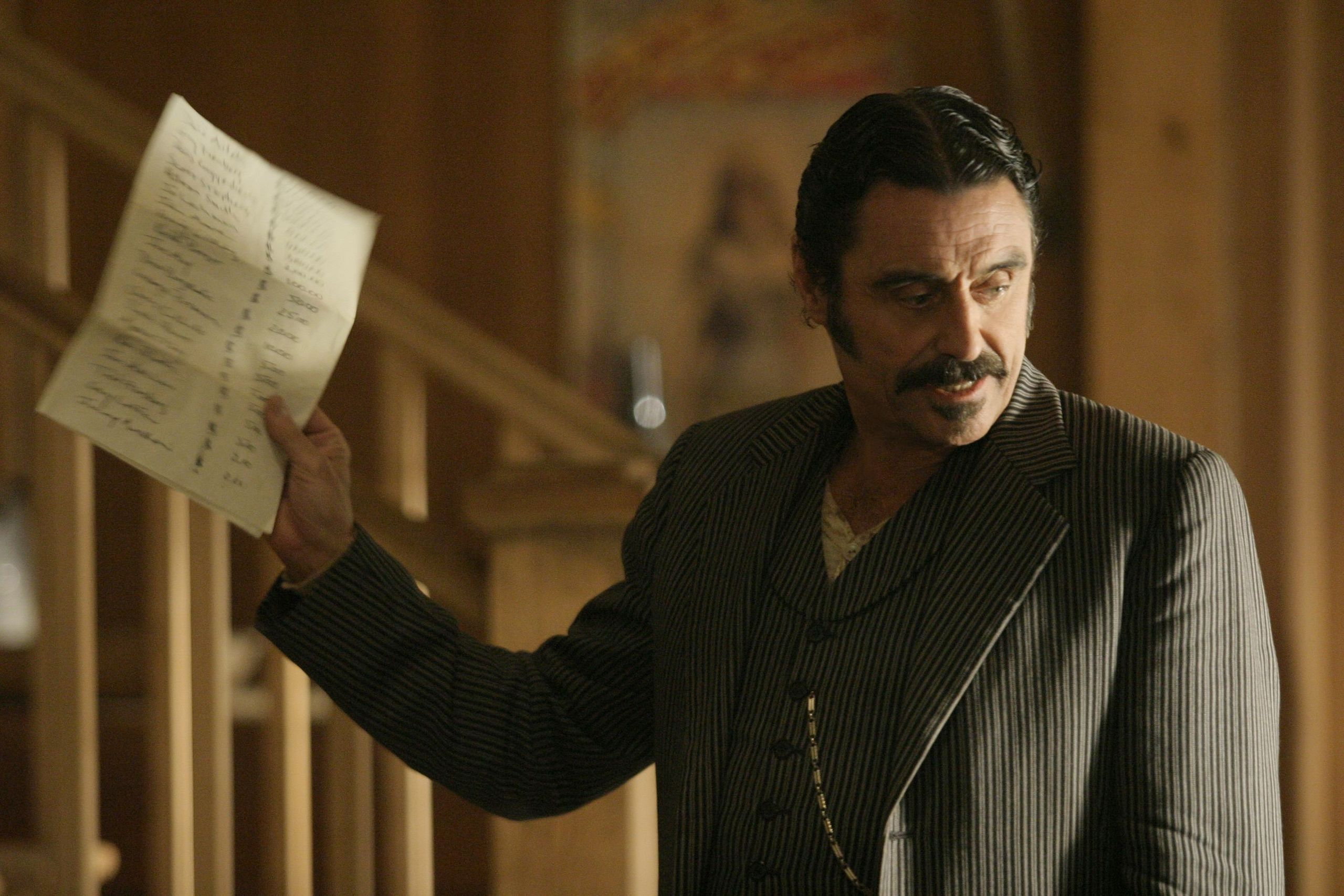 Al-Swearengen-deadwood-16934277-2560-1707