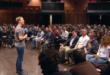 150304124557-mark-zuckerberg-mobile-world-congress-crowd-2015-780x439