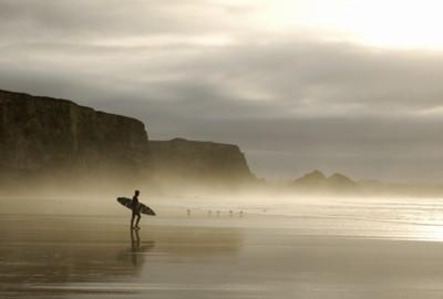 http://www.goldcoastsurfboards.com.au/images/winter%20surfer_th.jpg