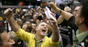 Traders call out trades on the floor of the Chicago Mercantile Exchange, April 25, 2007, after the Dow Jones industrial average cracked the 13,000 mark for the first time. The Dow leapt to an intraday record of 13,036.99 within minutes of the market's open, with investors also buoyed by data that showed orders for durable goods -- costly and long-lasting manufactured items -- rose more than expected in March.  REUTERS/John Gress (UNITED STATES) - RTR1P16Q